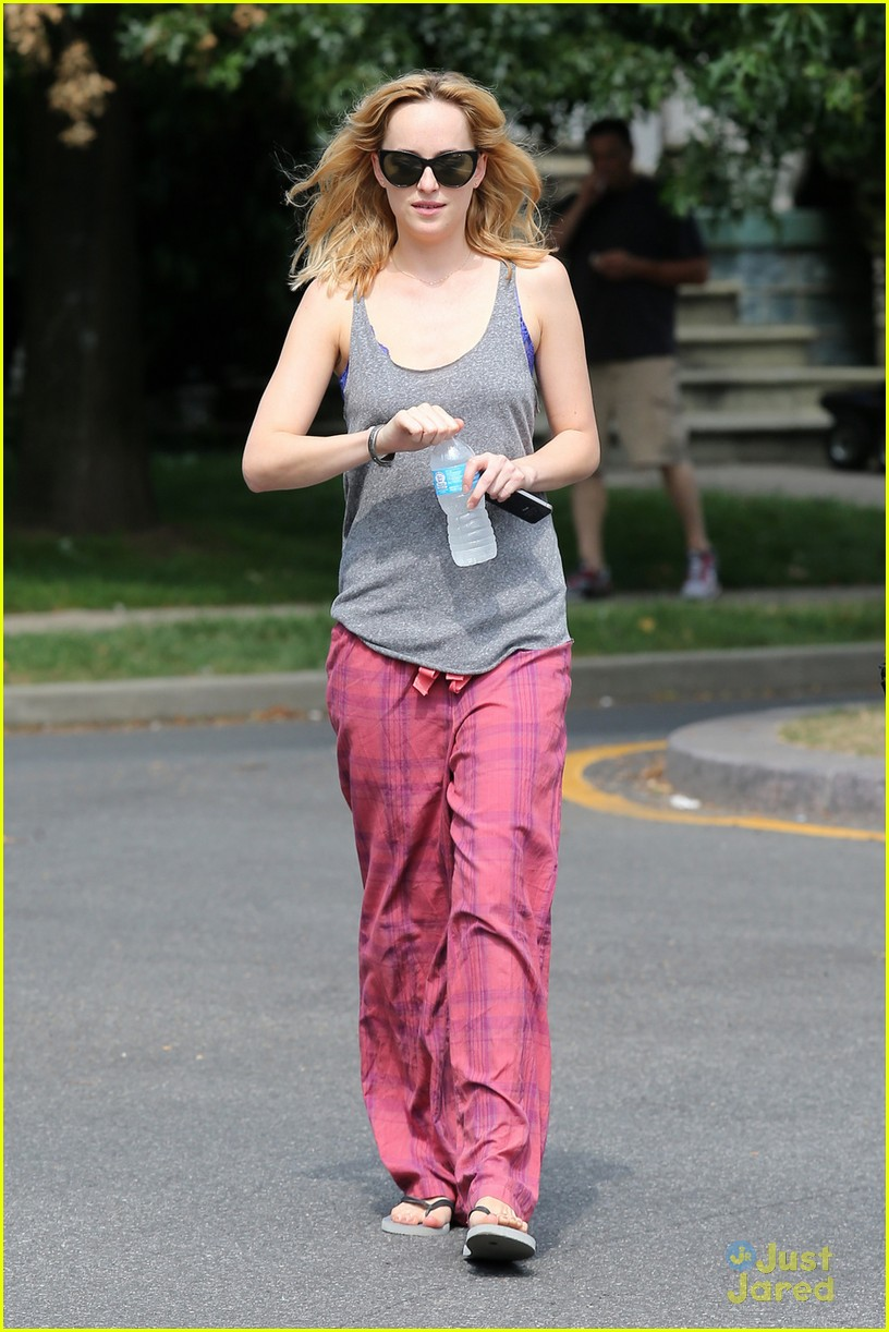 dakota johnson cymbeline set cutie 06