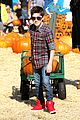 Mason-pumpkins mason cook pumpkin picker 03