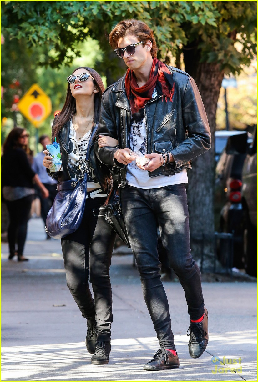 Leather jacket victoria - Victoria Justice Pierson Fode Leather Jackets For No Kiss List Photo 609368 Photo Gallery Just Jared Jr