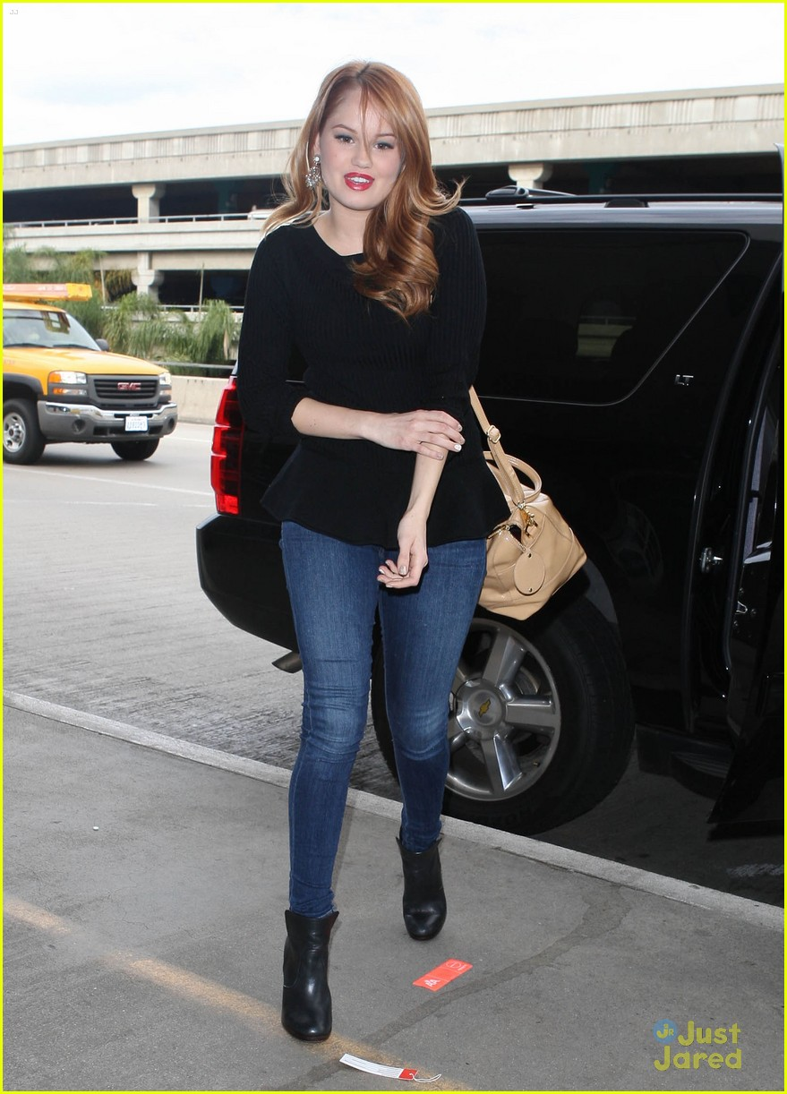 debby ryan flight out lax 03