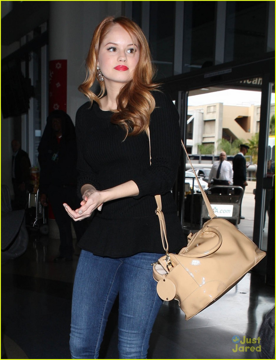 debby ryan flight out lax 04