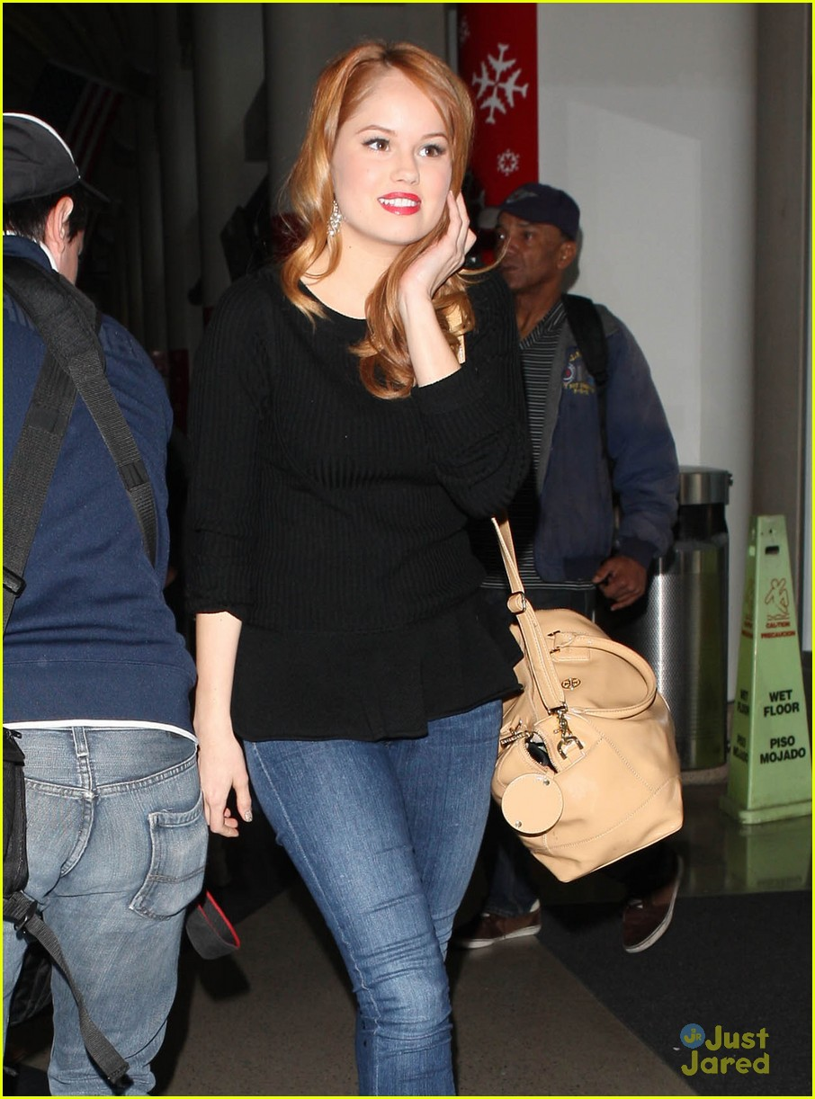 debby ryan flight out lax 07