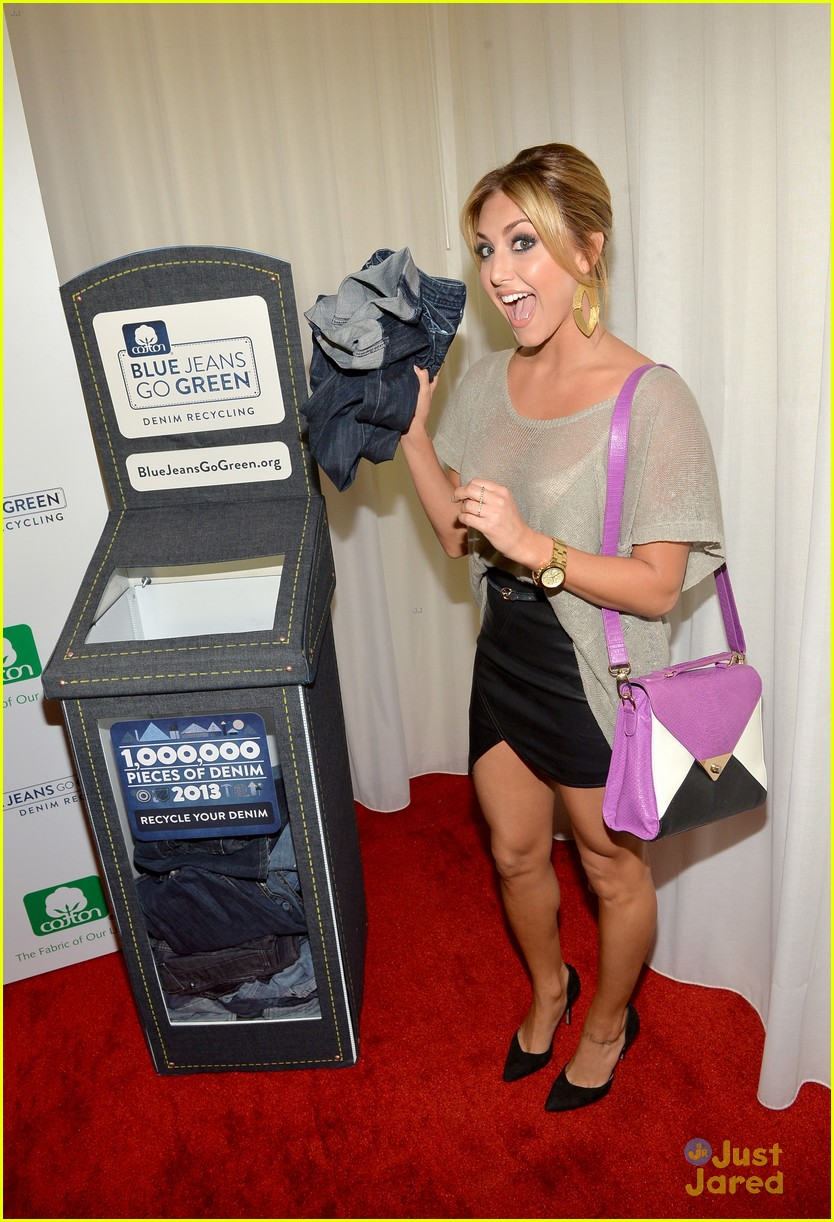 nikki reed shenae grimes cassie scerbo jeans event 17