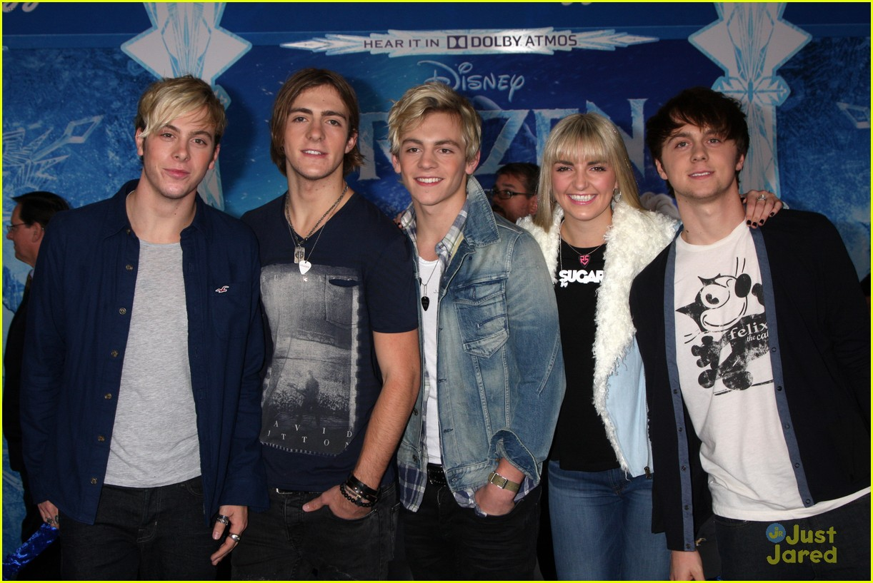 r5 china mcclain frozen premiere attendees 01