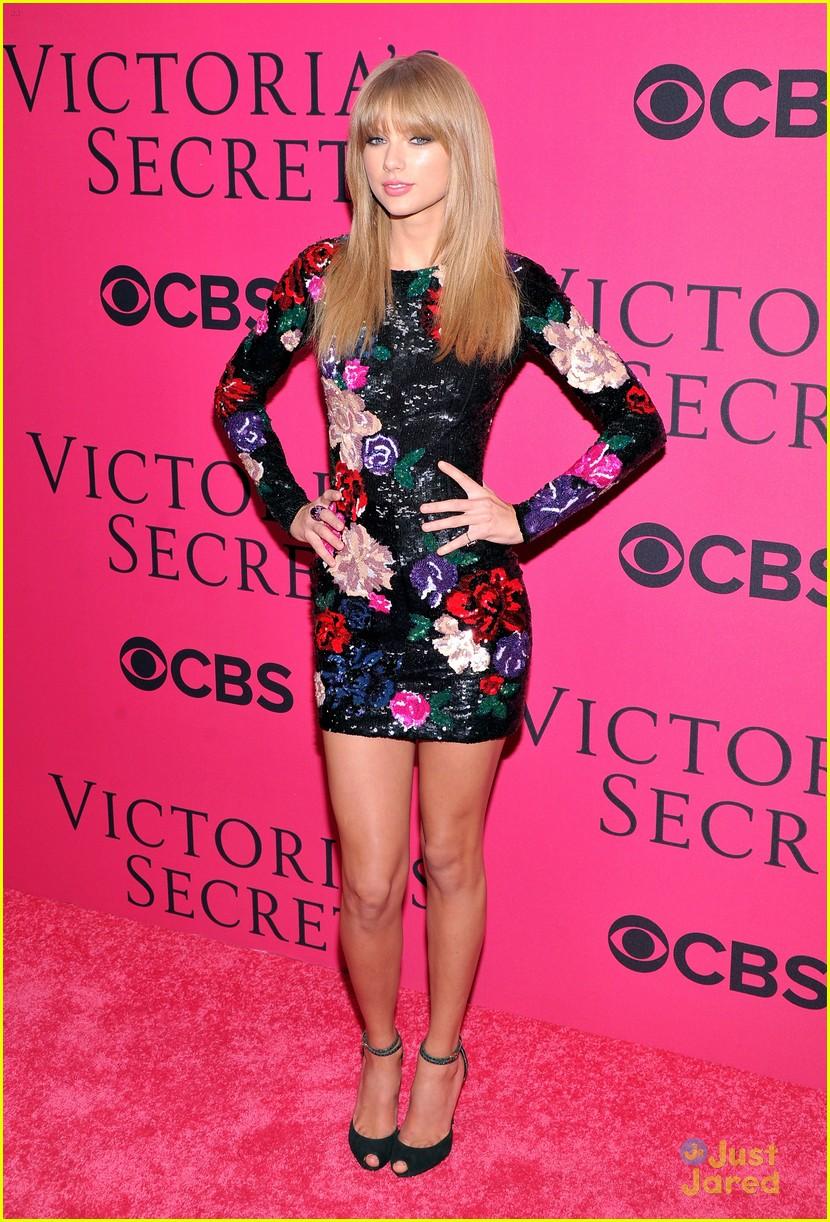 Taylor Swift Victoria 39 S Secret Fashion Show 2013 Red Carpet Pics Photo 617495 Photo