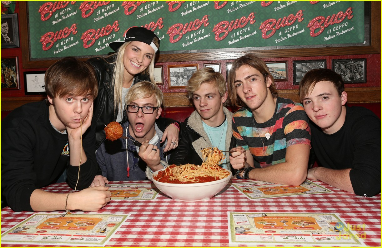 ross lynch bday buca pics 02