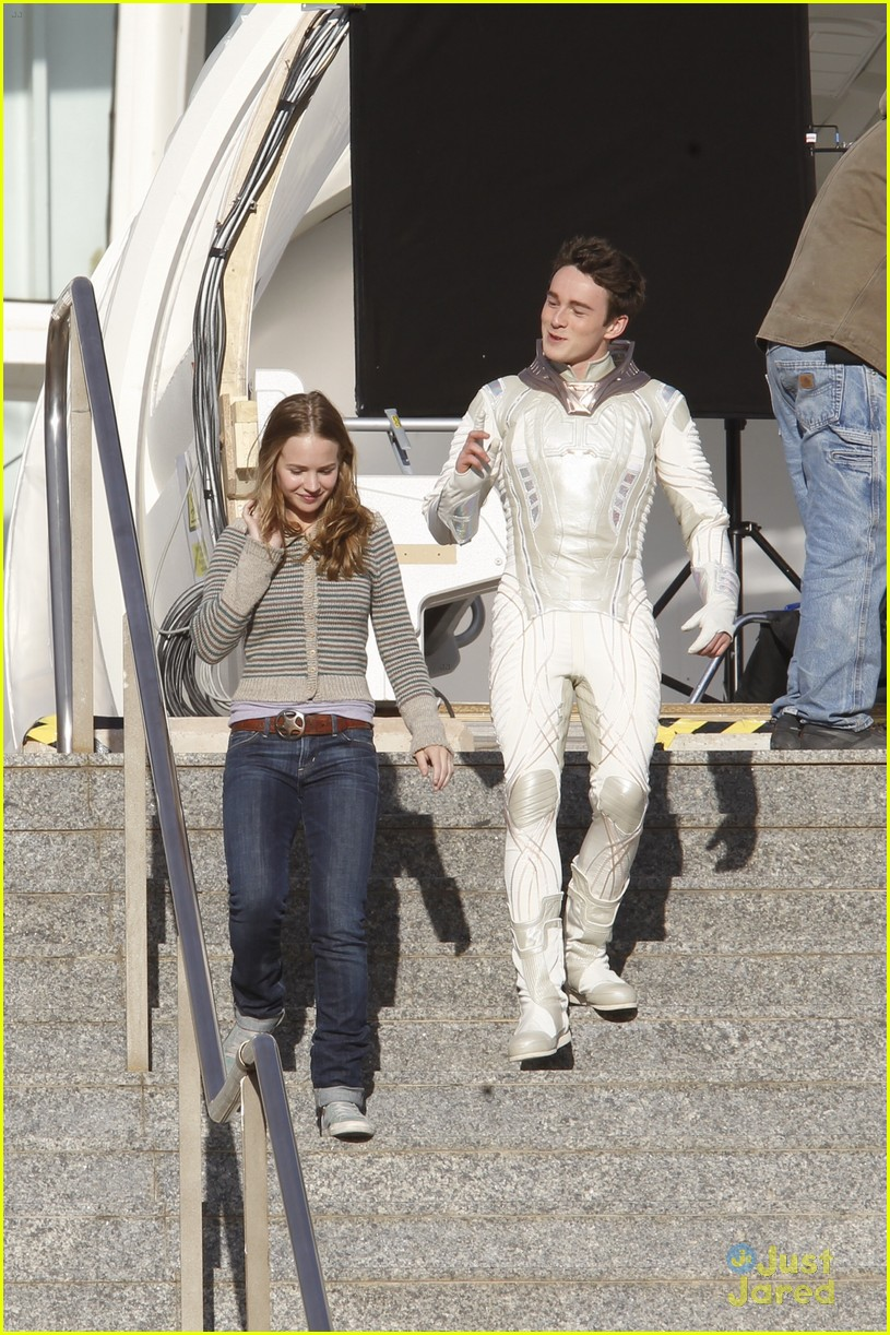Britt Robertson Continues 'Tomorrowland' Filming in Spain ...