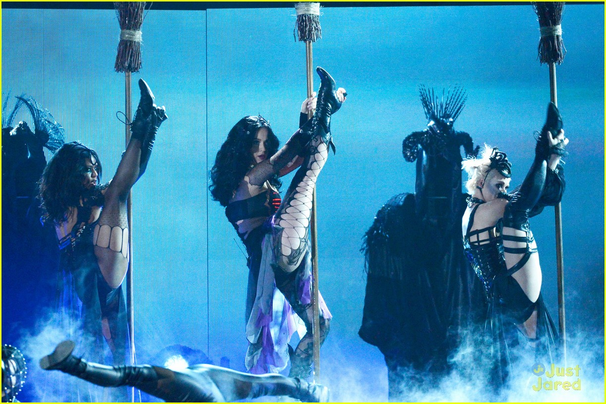 katy perry dark horse at the grammys watch now