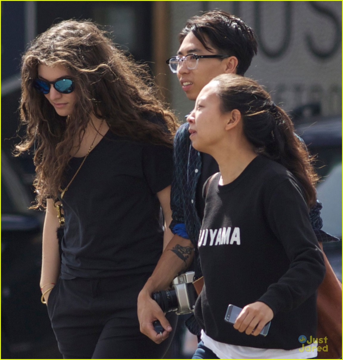 Lorde Amp Boyfriend James Lowe Step Out Together In New