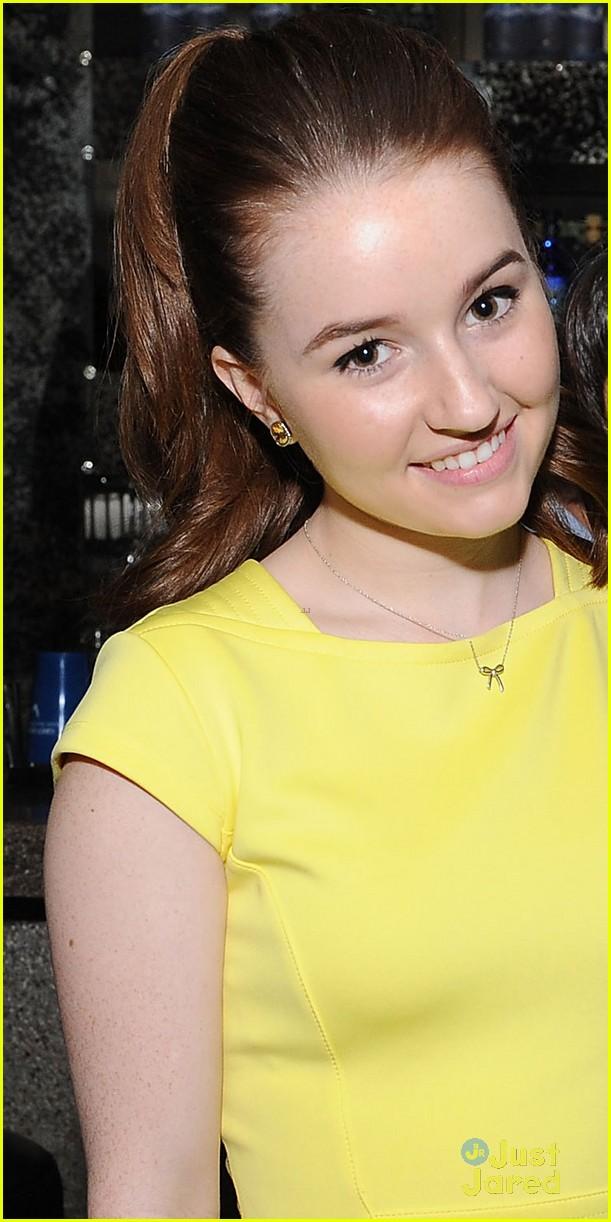 Kaitlyn Dever Amp Molly Ephraim SAGs Capital Campaign