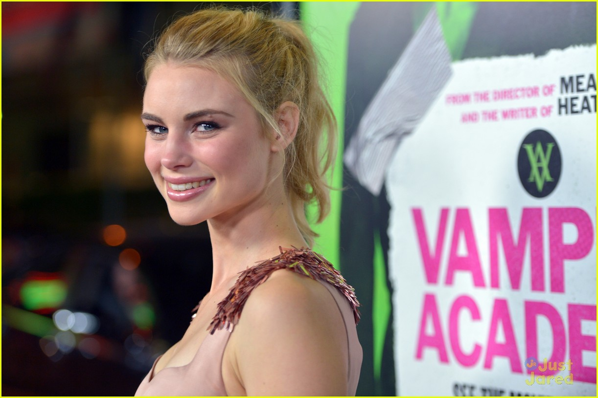 lucy fry height and weight