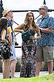 Sarah-ariel sarah hyland ariel winter modern family holiday episode australia 25