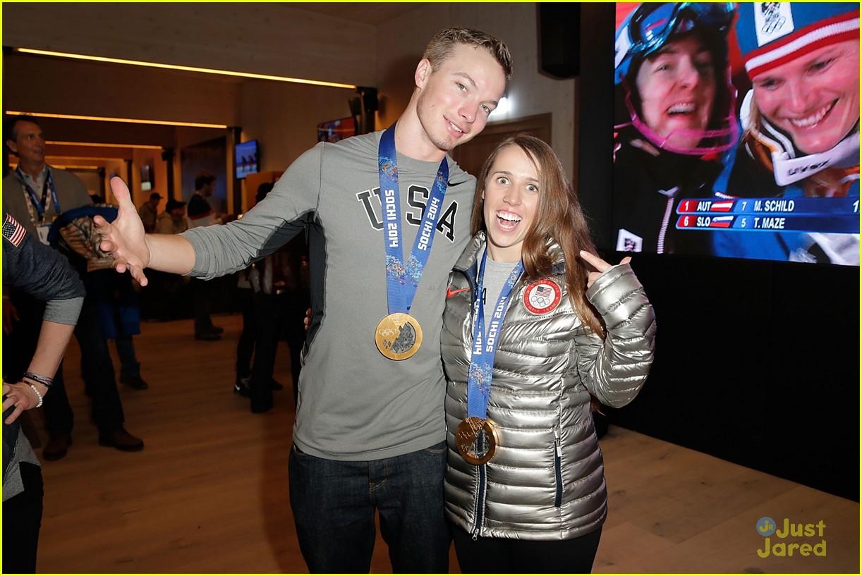 bowman short track relay womens hockey sochi olympics medal count 06