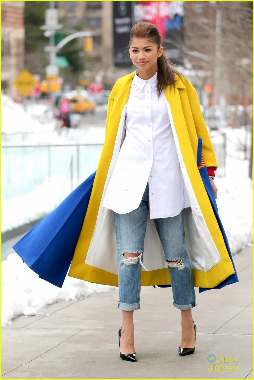 Zendaya yellow coat