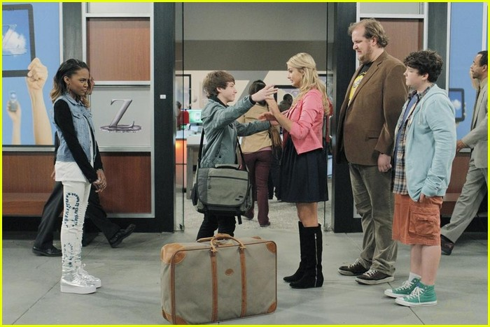 ant farm series finale stills 28