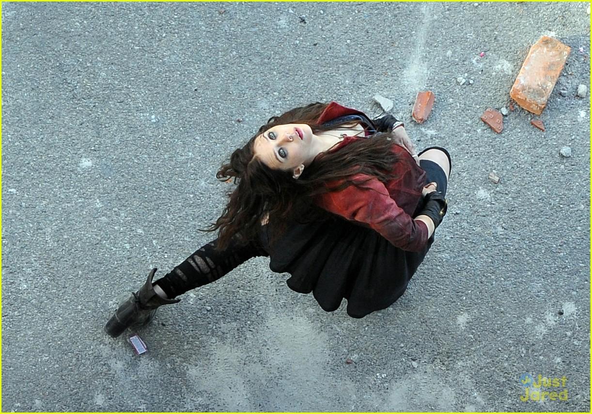 Elizabeth Olsen as Scarlet Witch - See Her 'Avengers: Age of ...