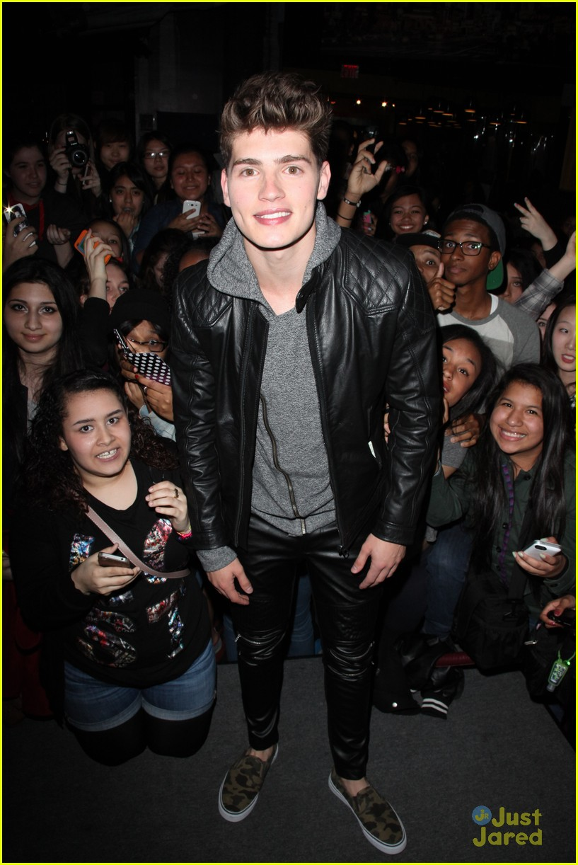 gregg sulkin planet hollywood stop 04