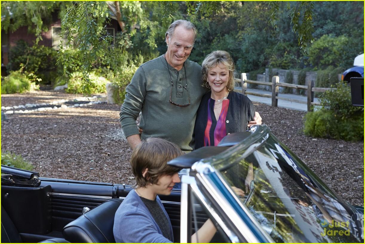 Mae Whitman & Miles Heizer: 'Parenthood' Season 5 Finale ...