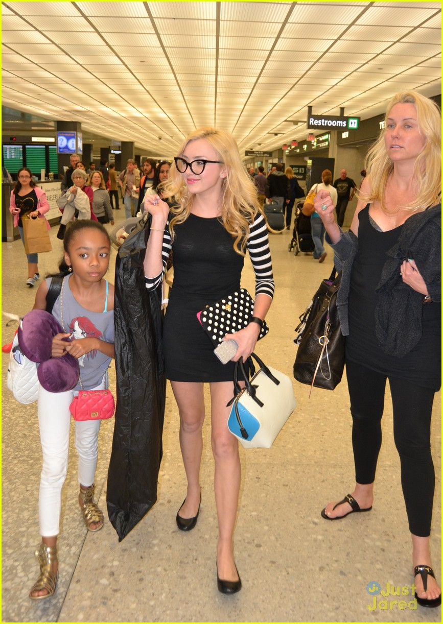 peyton list skai jackson touch down dc together 10