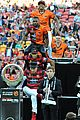 Derulo-soccer jason derulo jumps around at the australian football a league grand final08