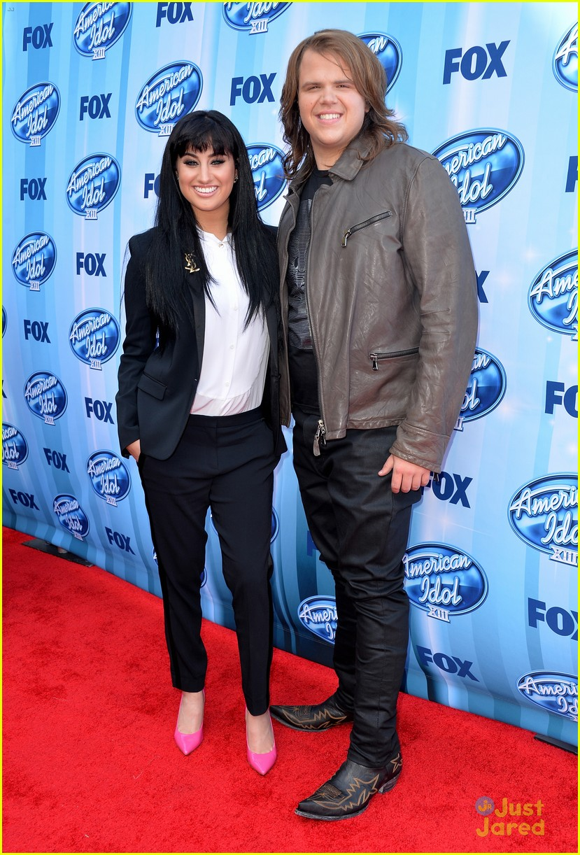 jena irene caleb johnson walk red carpet before american idol finale 03