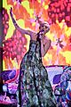 Miley-wins miley cyrus wins at world music awards 2014 01