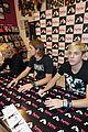 R5-manchester r5 ellington ratliff lost voice album signing 24