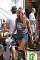 Sam-ellie ellie goulding sam smith cressida bonas glastonbury sunday 06