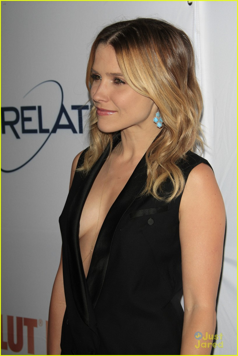 Est juste sophia bush shows boobs sexy!<3