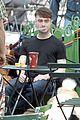 Dan-dog daniel radcliffe dog walker trainwreck nyc set 02