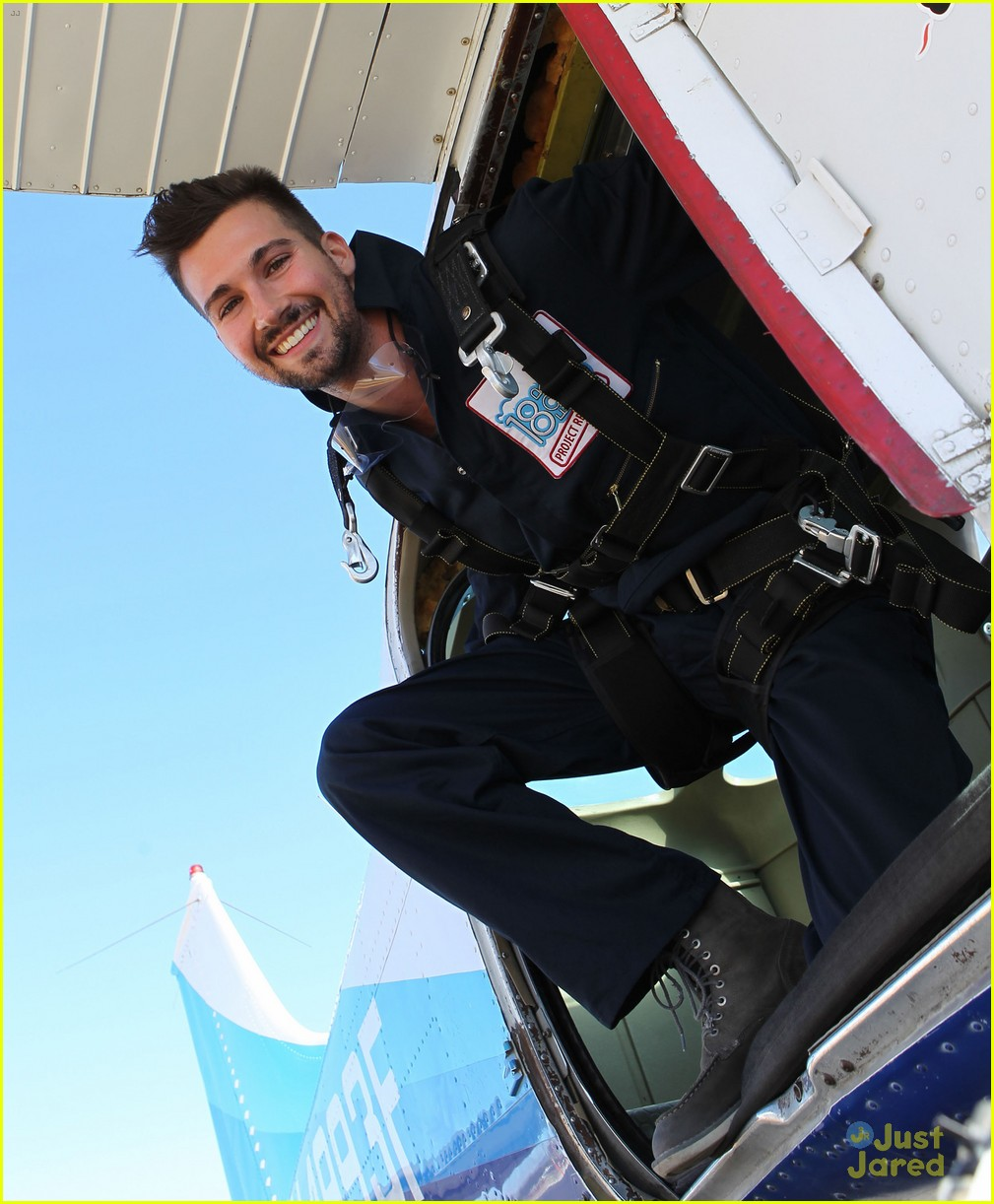 james maslow skydives carlos alexa penavega 03