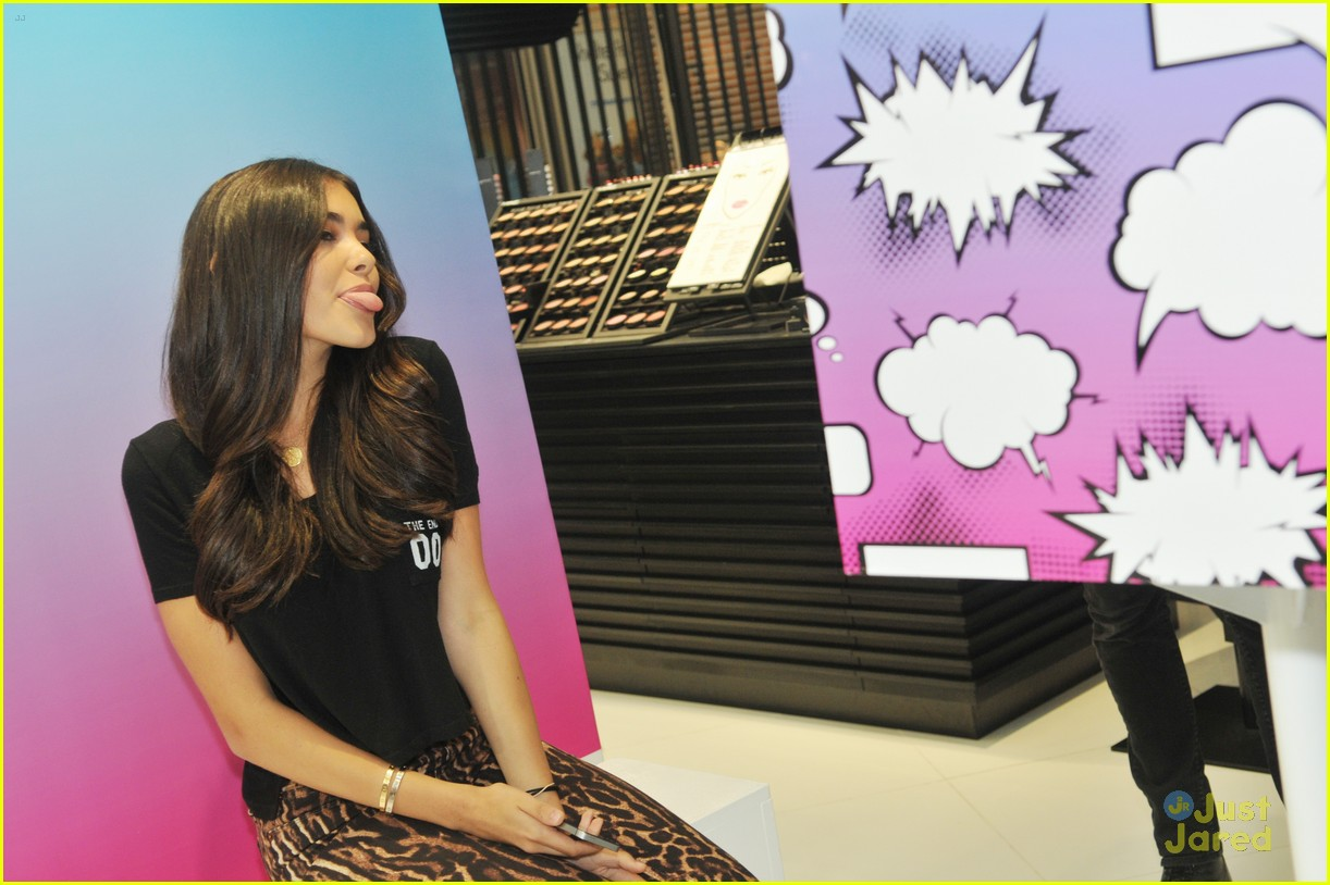 madison beer mac store appearance orlando 03