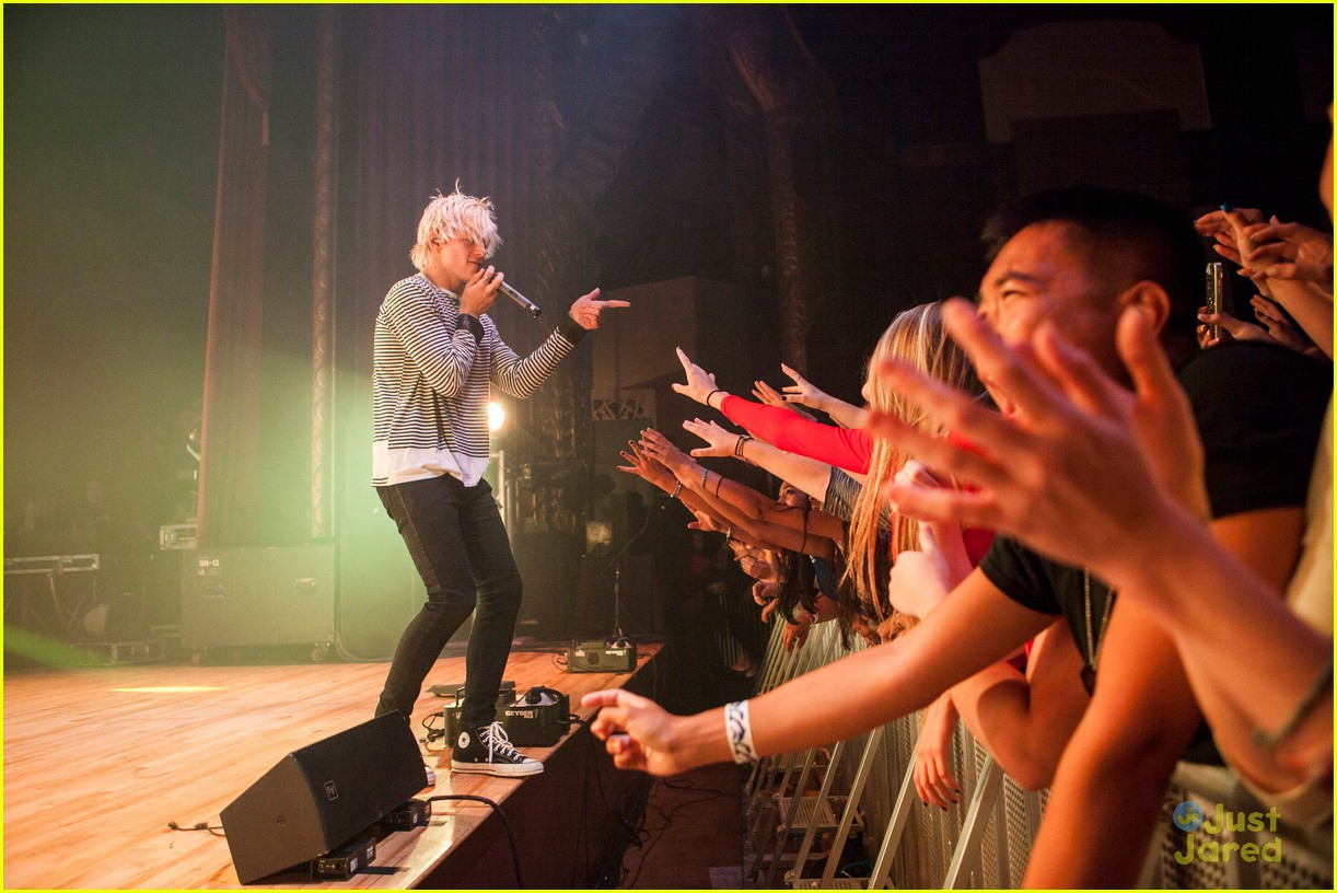 r5 ross lynch detroit performance 06