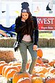 Kelli-pumpkins kelli berglund picking pumpkins 01