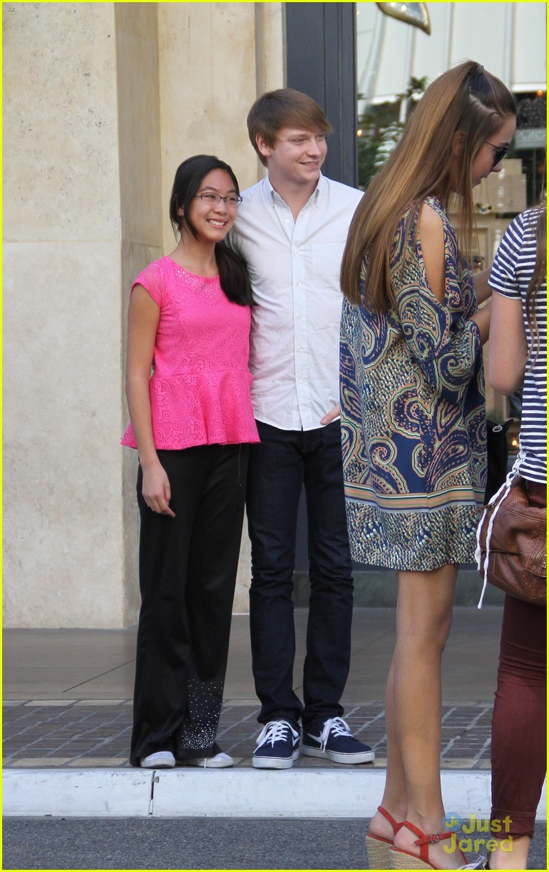 calum worthy meets fans after austin ally finale 04