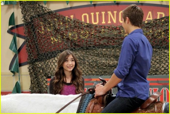 girl meets friendship brandon I've had a great time being back on set with some of my old friends, norris said in a girl meets world is a new show for a new generation that will.