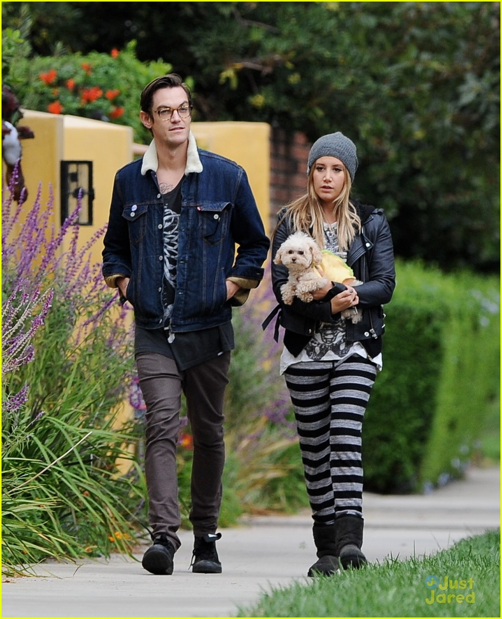 ashley tisdale chris french maui walk halloween 01 - Ashley Tisdale Halloween