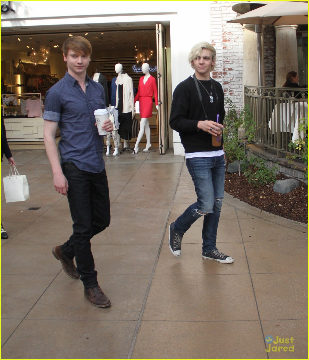 austin ally cast hang out at the grove 15
