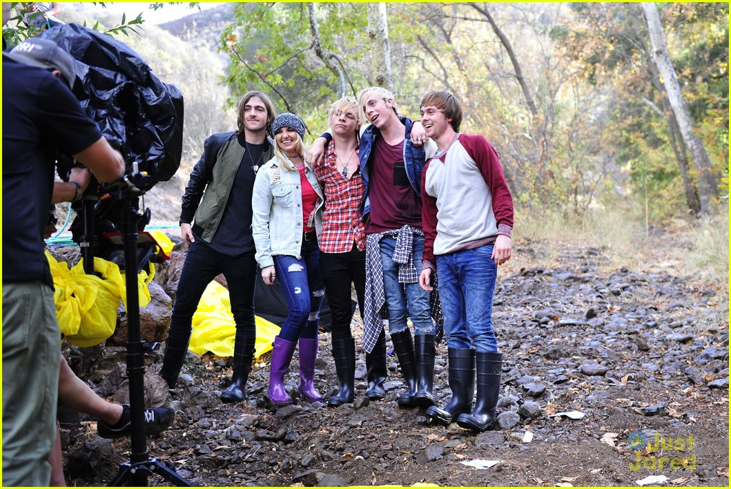 r5 smile music video photos ross lynch wet 12