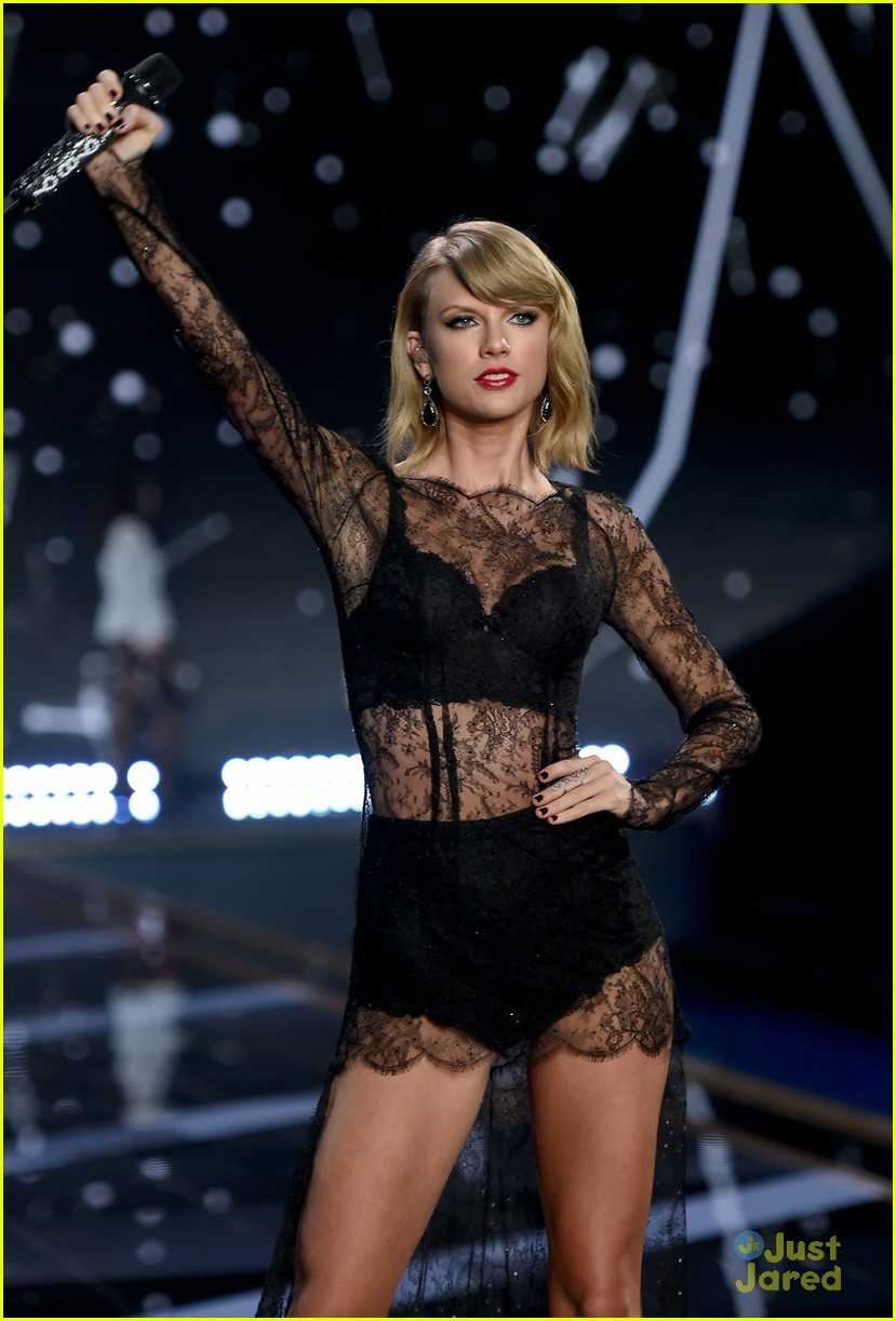 Taylor Swift Totally Slays At Victoria 39 S Secret Fashion Show 2014 Video Photo 752391 Photo
