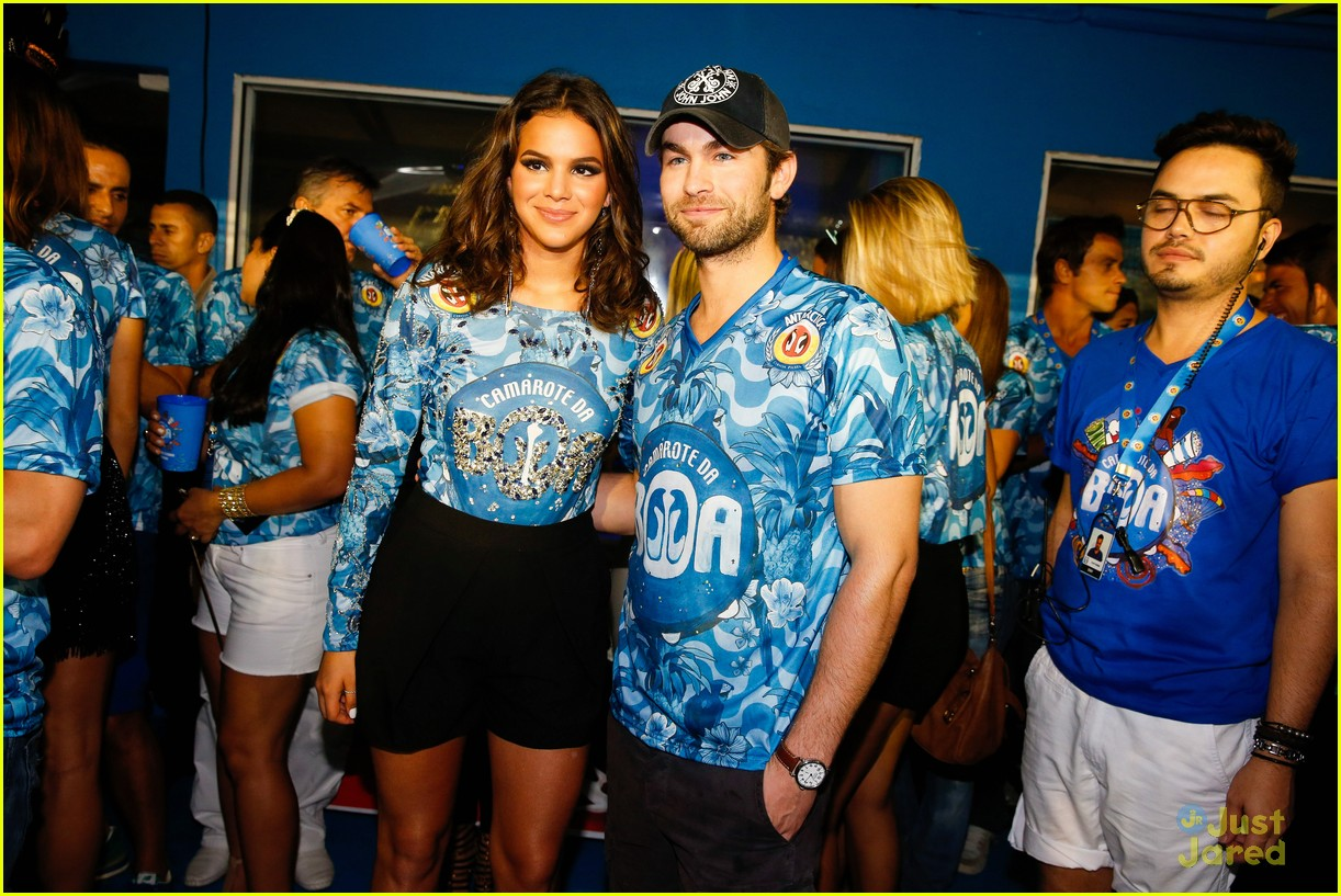 chace crawford makes out with a brazilian singer in rio 25