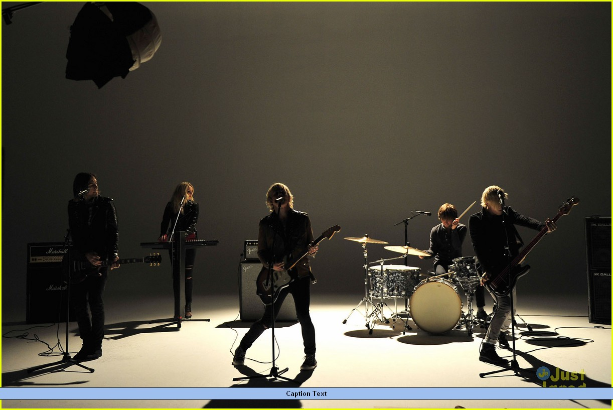 r5 lets not be alone tonight pics teaser video 12