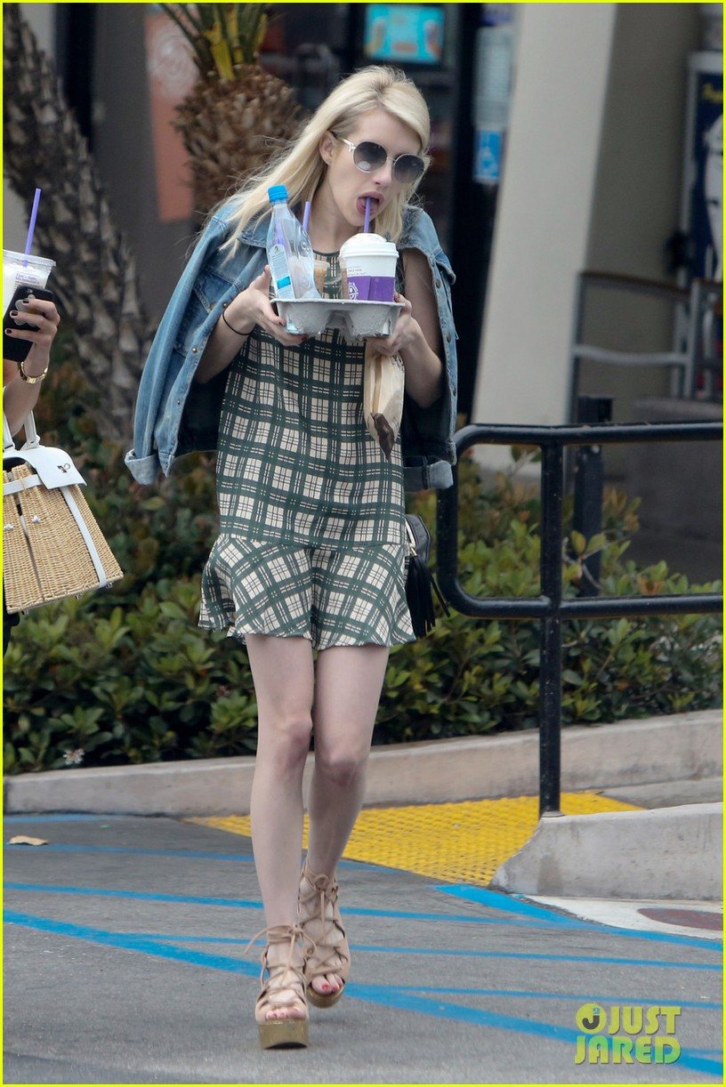 emma roberts coffee after ending engagement 04