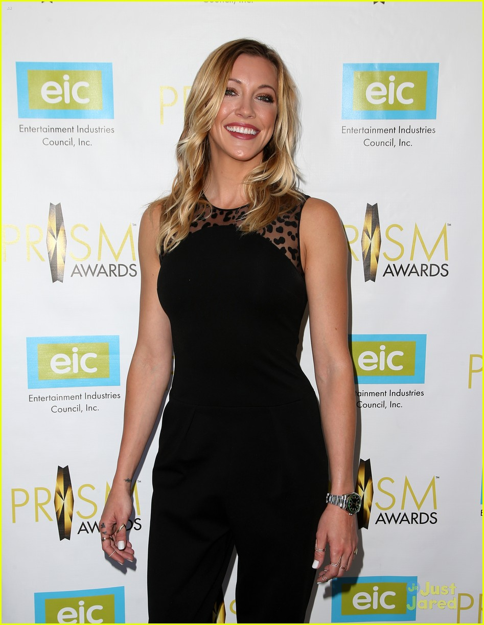 katie cassidy prism awards los angeles win 10