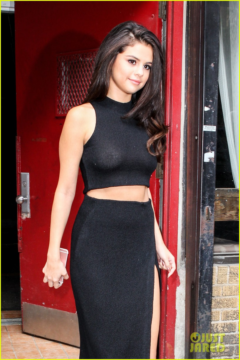 Selena Gomez Reveals the Four Women She Confides In | Photo 878856 ...