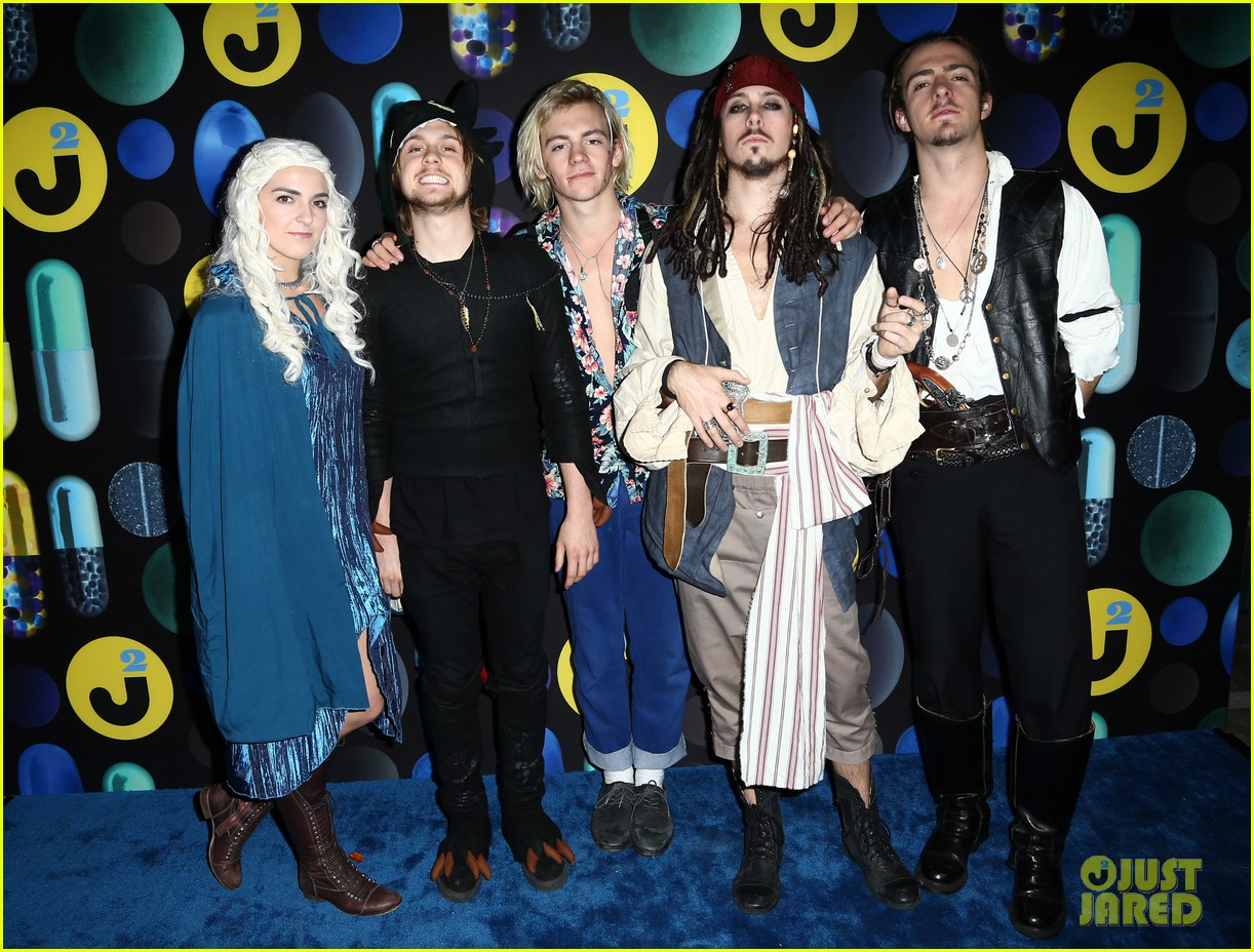 ross lynch courntey eaton just jared halloween party 03