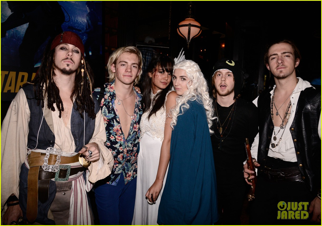 ross lynch courntey eaton just jared halloween party 21