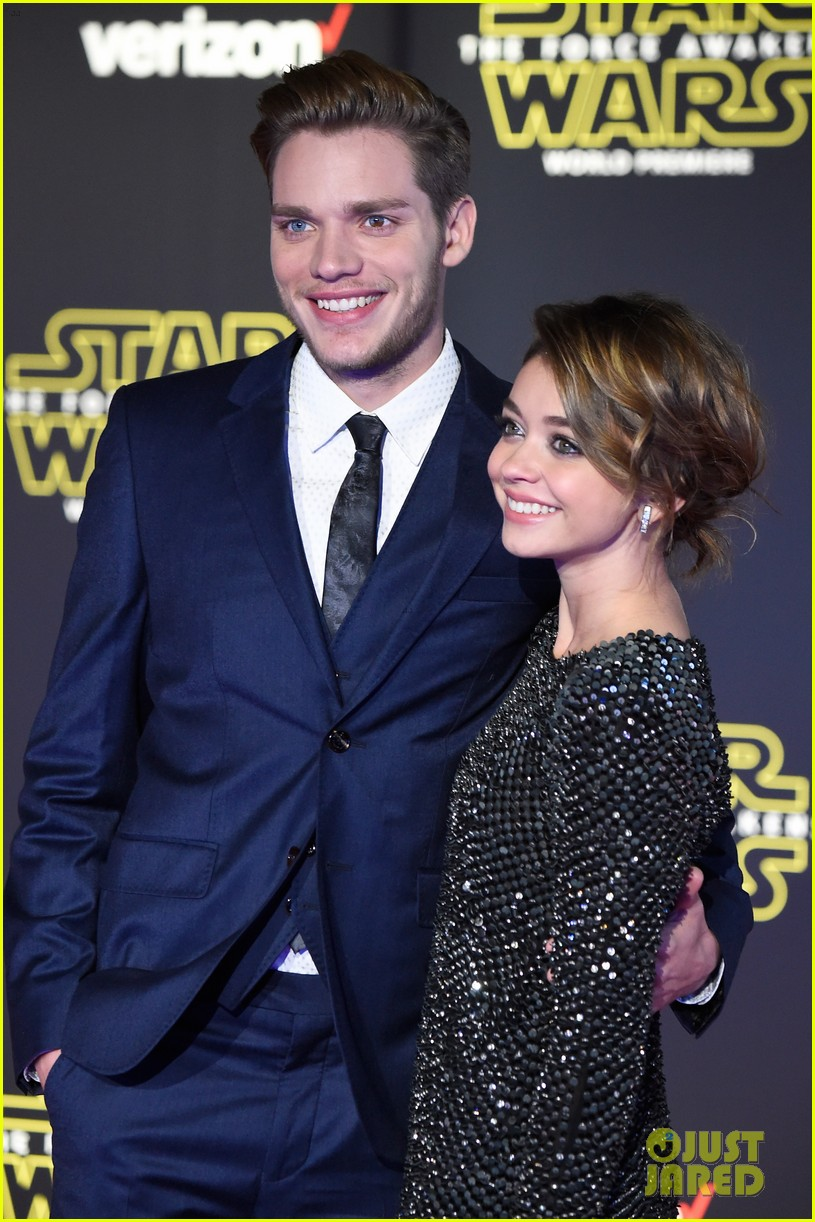 sarah hyland dominic sherwood shadowhunters star wars premiere 02