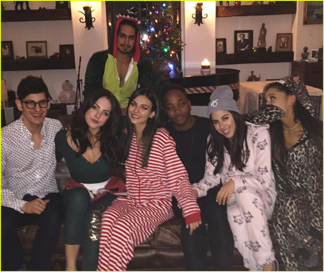 victorious reunion onesie party see pics 02