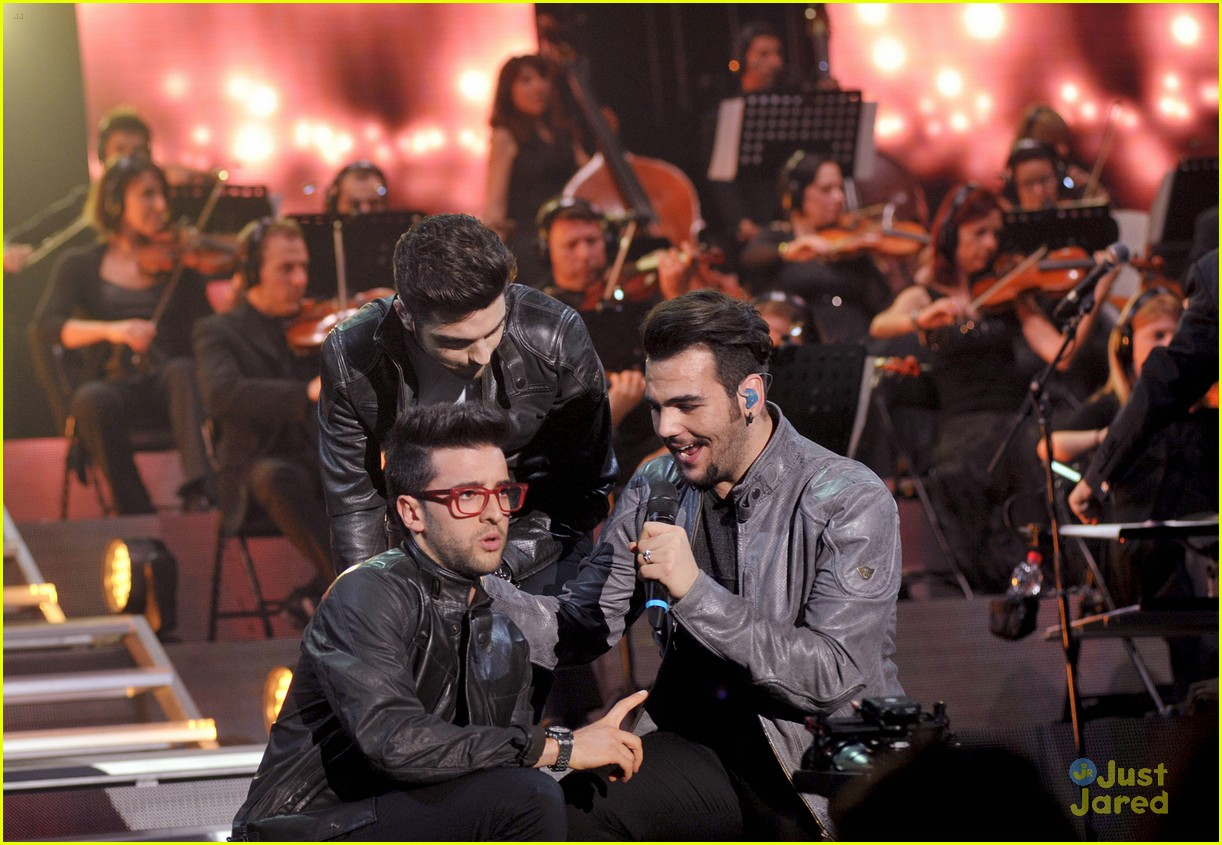 il volo milan italy close europe tour out 09